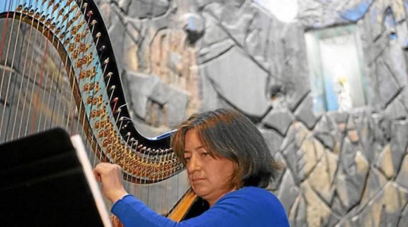Guadalupeko Ama Birjina Arantzazun entzuten da